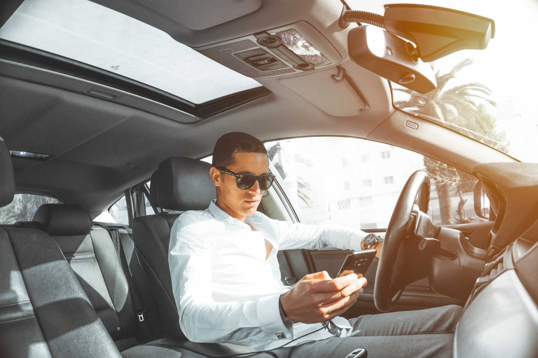 Mobile phone whilst driving - humanfactors101.com