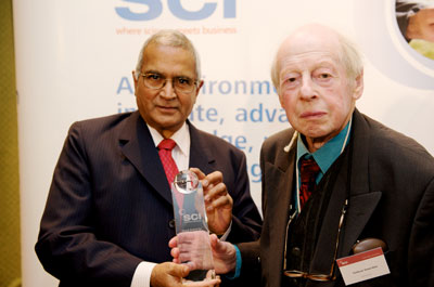 Professor Trevor Kletz, OBE (right) receiving the SCI Mond Award for Health and Safety from past president Lord Dholakia in 2009.
